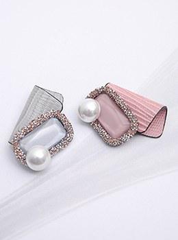 [YY-BR038]レザースクエア真珠のブローチ
